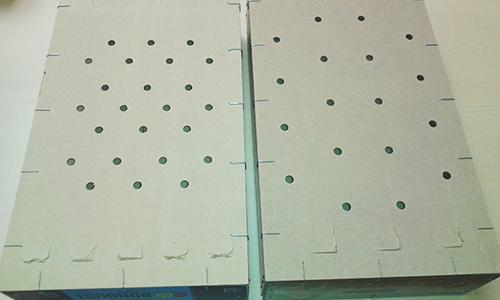 tablero-agujeros